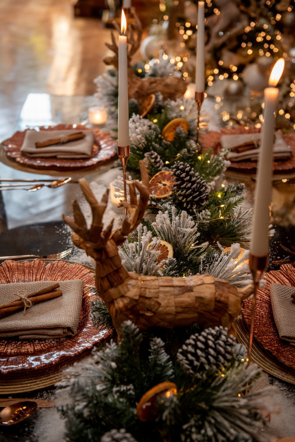 Christmas Decor Qube - Aspen Forest Tablescape