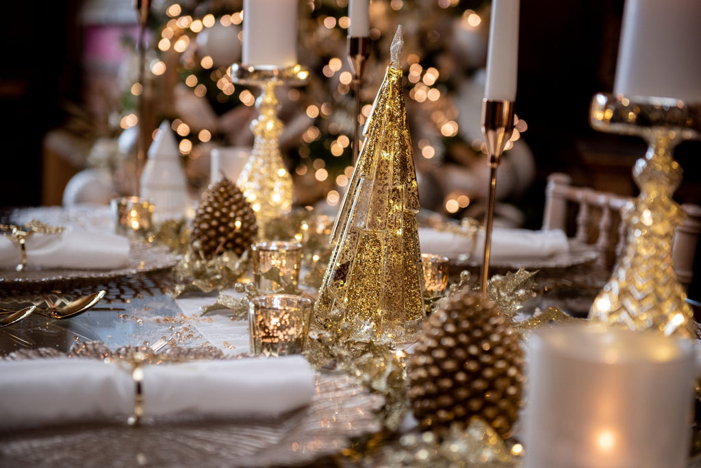 Christmas Decor Qube - Champagne Luxe Tablescape