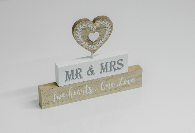 Mr & Mrs 2 Hearts Free Standing Love Story Plaque