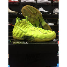 Load image into Gallery viewer, foamposite pro volt sz 9