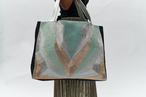 VEERO V Silver / Gold Tote with leather.