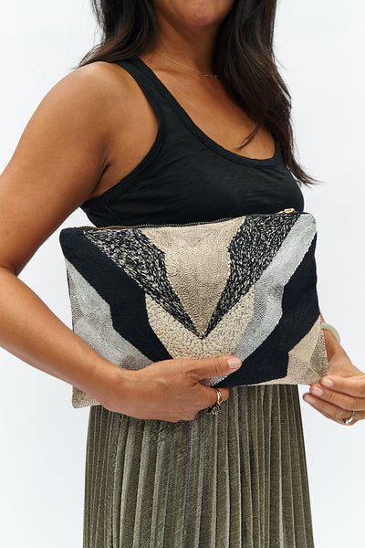 VEERO V Gold / Silver / Black Clutch