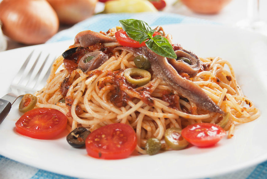 Spaghetti in spicy anchovy sauce
