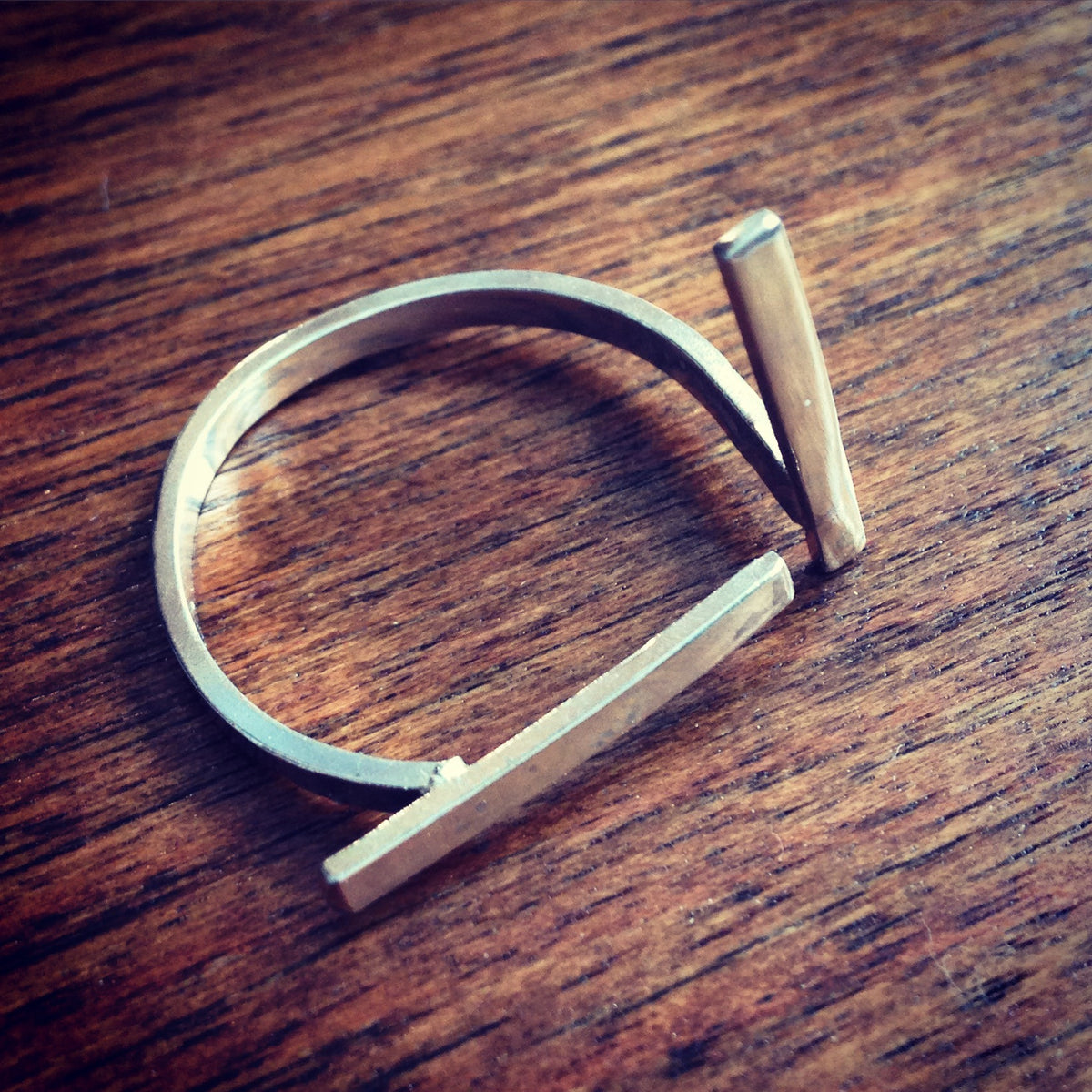 Offset Bar Ring