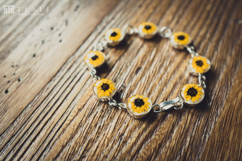 Sunflower Jewelry: Round Charm Bracelet