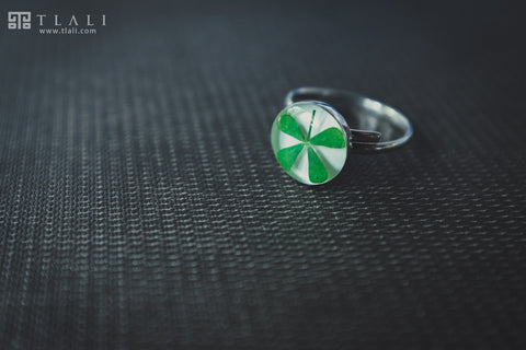 Clover Jewelry: Round Ring