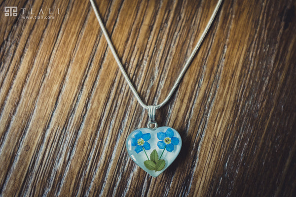 Forget-Me-Not Jewelry: Two Flower Heart Pendant