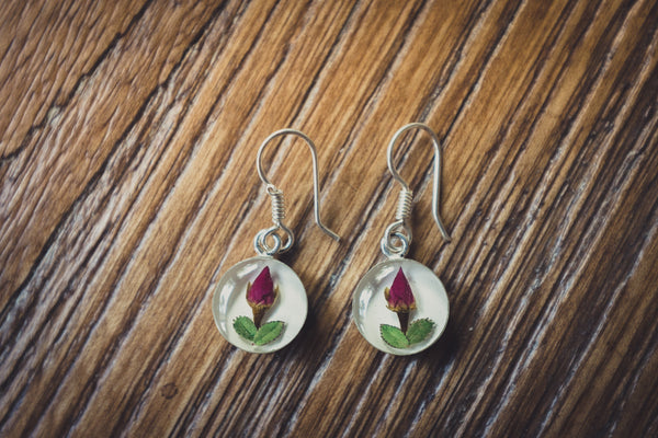 Rose Jewelry: Hanging Round Earrings