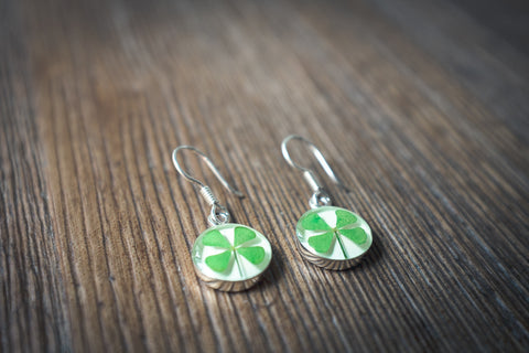 Clover Jewlery: Hanging Round Earrings