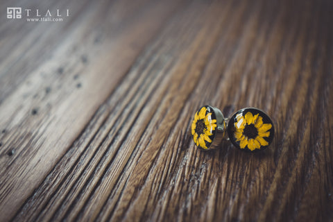 Sunflower Jewelry: Round Post Black Earrings