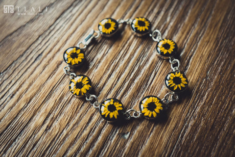 Sunflower Jewelry: Round Black Charm Bracelet