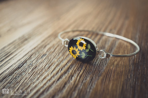 Sunflower Jewelry: Oval Bracelet