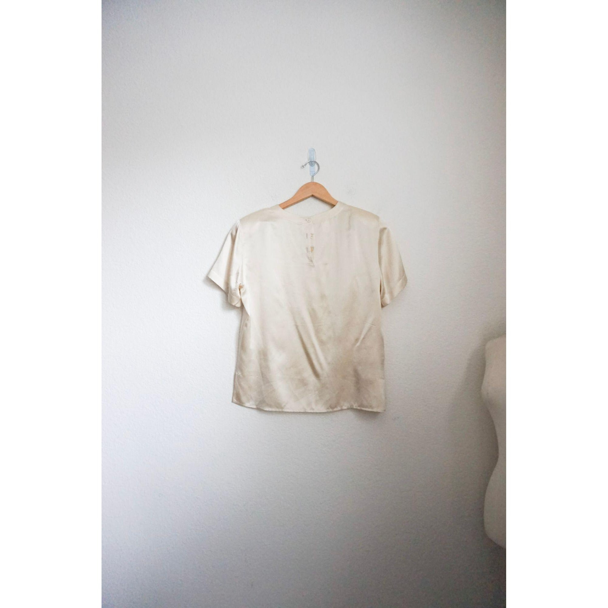 Jones NY ivory short sleeve silk top size 12