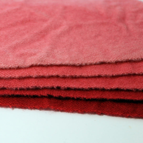 Jacobean - 18 - Bright Red Accent - Rug Hooking Supplies