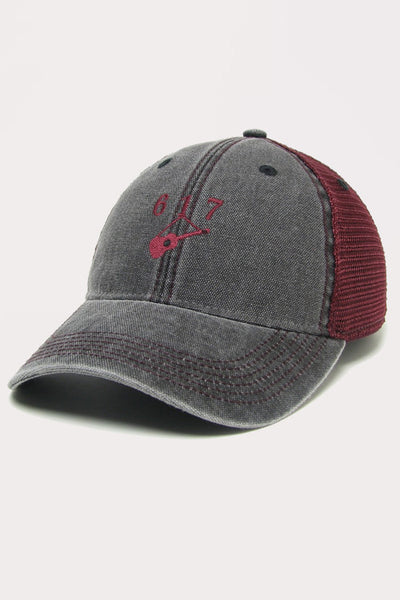 Hanging Guitar (617) Trucker - Black/Maroon