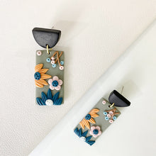 Load image into Gallery viewer, Polymer Clay Flowers Stud Earrings