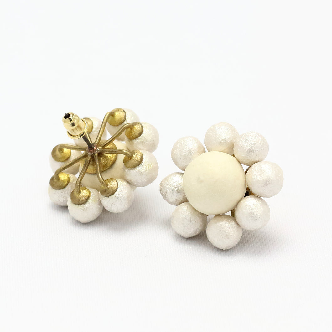 WHITE FLOWER EARRING 1918