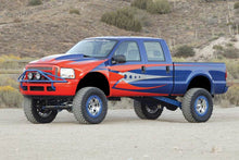 Load image into Gallery viewer, Fabtech 05-07 Ford F250 4WD w/Overload 8in 4 Link System w/DL 4.0 Coilovers & Rear DL Shocks