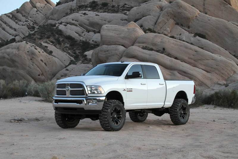 Fabtech 14-18 Ram 2500 4WD 5in Basic System w/Coil Spacers & DL Shocks