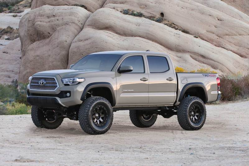 Fabtech 16-21 Toyota Tacoma 4WD/2WD 6 Lug 6in Perf. System w/DL 2.5 Coilovers & Rear DL Shocks