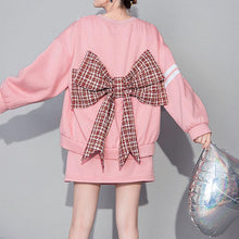 Load image into Gallery viewer, Pink suit (bow sweater + short skirt)