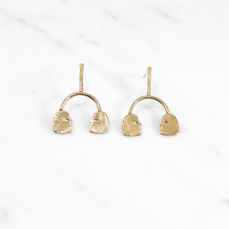 Conversation earrings - brass