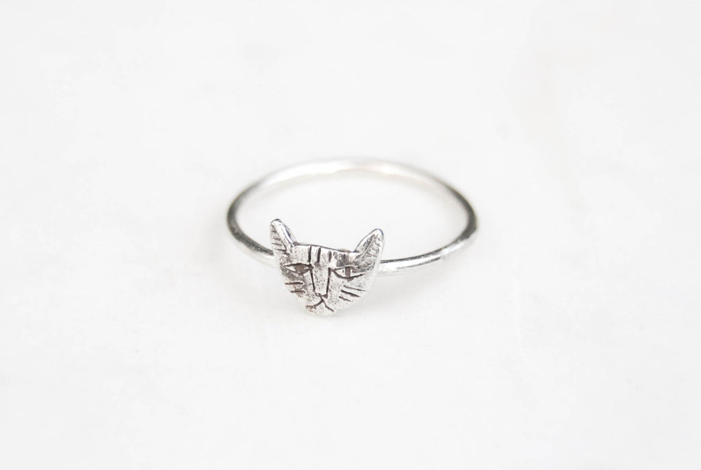 Cat ring tiny - silver