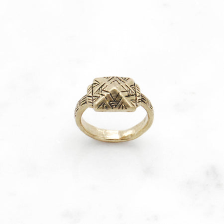 Deco Pyramid ring - brass