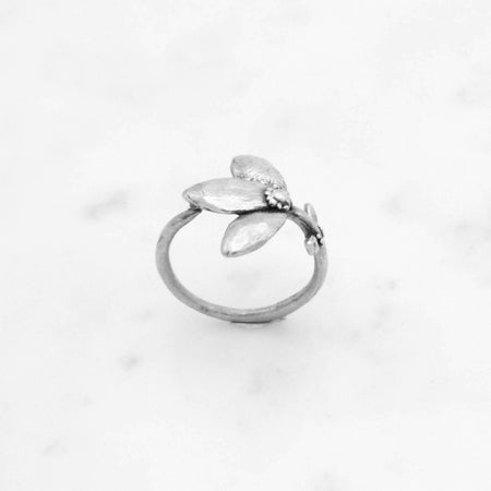 Flower Stem ring - silver