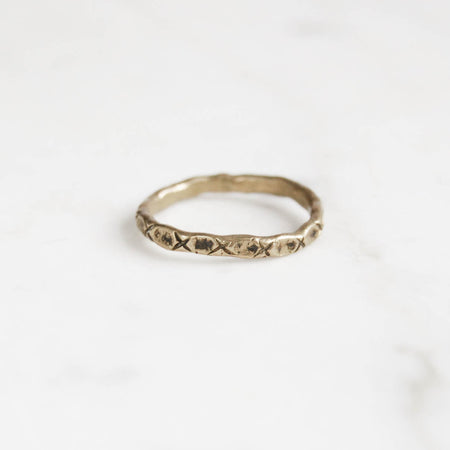 Little x ring - brass