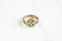 Crossed Arrows signet ring - brass