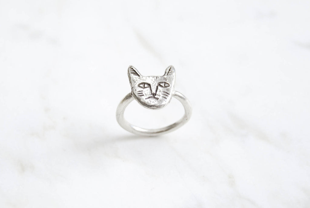 Cat face ring - silver