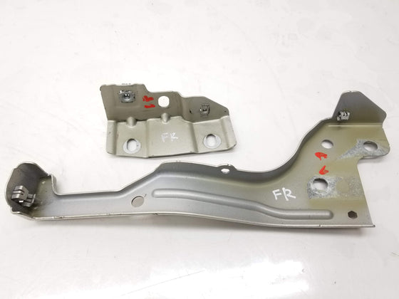 15-19 Cadillac ATS Fender Front Bracket Right Set 20940319 OEM
