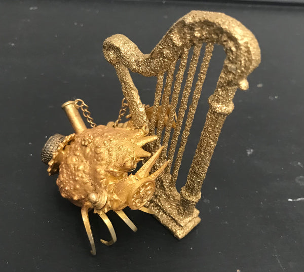 Harpist Crab by Dan Ross