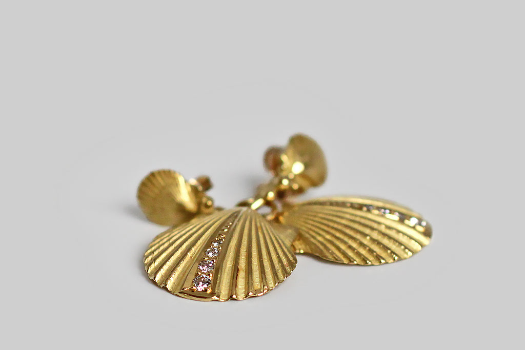 Diamond Set Scallop Shell Day & Night Drop Earrings in 18k Gold