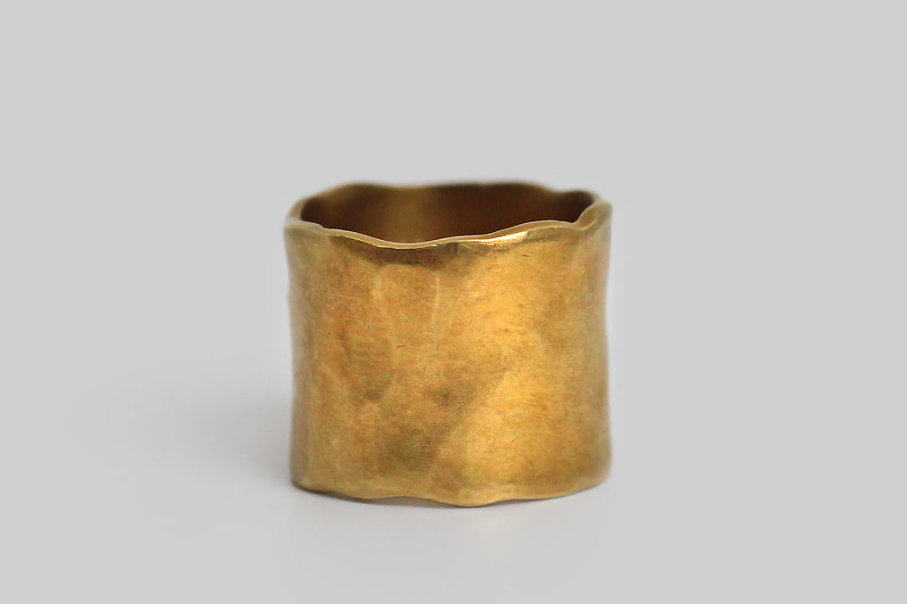 "Saundra Messinger Extra Wide Organic ""The Band"" in 18k Gold"