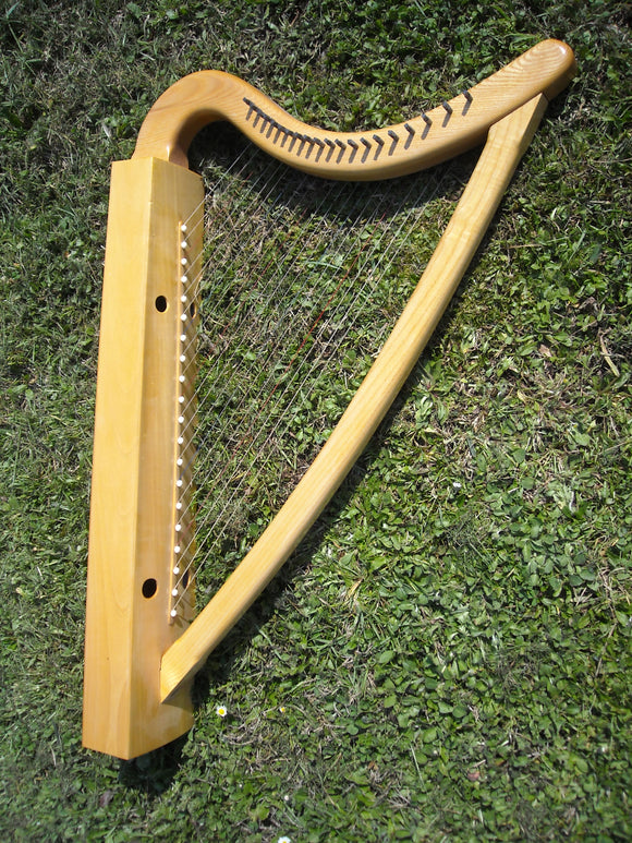 Medieval Harp 20 strings squared box