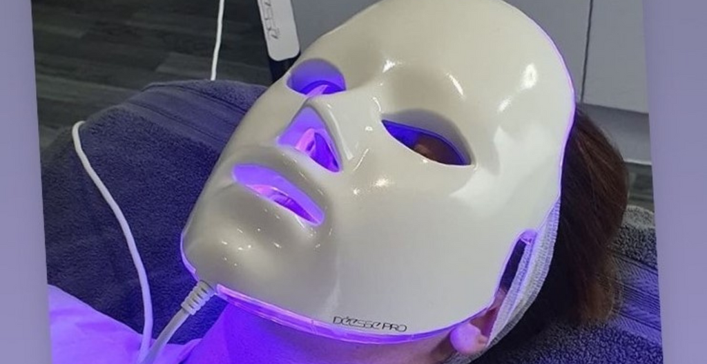 Déesse Pro in-clinic treatment for acne