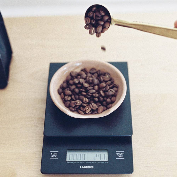 Hario V60 Drip Coffee Scale - Black with coffee beans