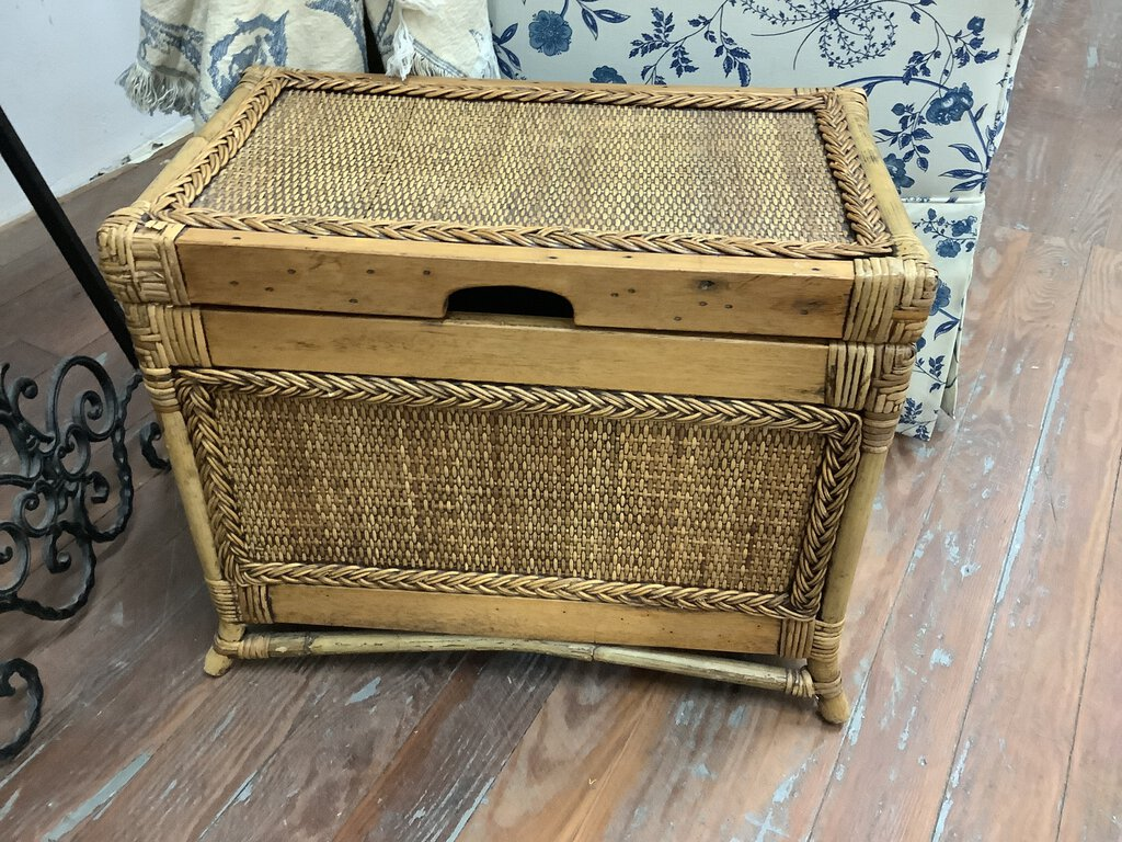 All Imperative Tips keep in Mind When Choosing Wicker Storage Trunk
