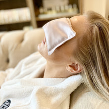 Load image into Gallery viewer, Glow Day Spa Dreaming Eye Pillow | Glow Signarture Collection_Lifestyle_Day Spa