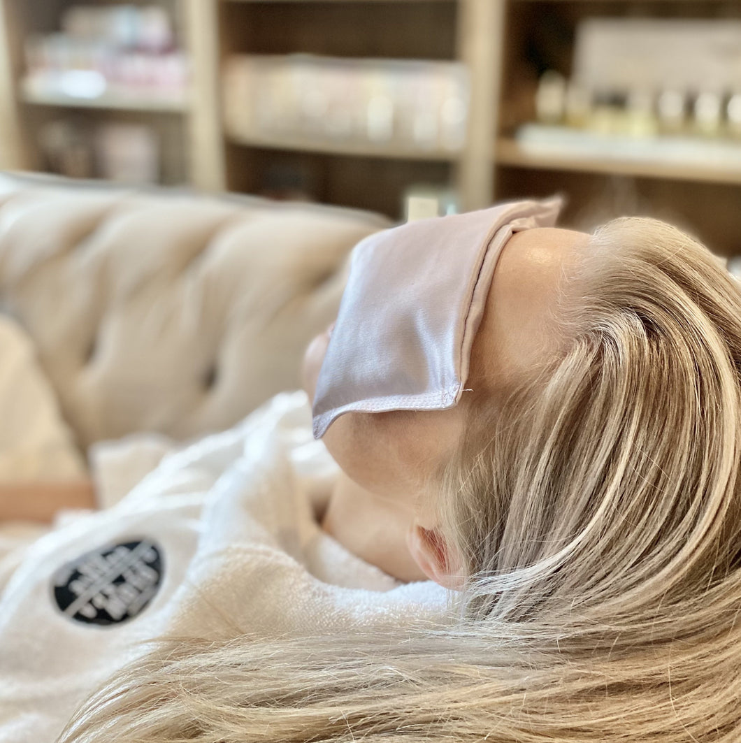 Glow Day Spa Dreaming Eye Pillow | Glow Signarture Collection_Lifestyle