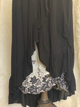 Load image into Gallery viewer, Black viscose skirt