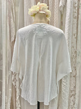 Load image into Gallery viewer, White linen poncho