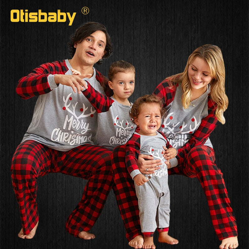 Cotton 100% Letter Plaid Printing Christmas Pajamas Family Matching Clothes Mommy and Me Clothes Family Look Mom and Daughter