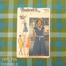 Load image into Gallery viewer, Women's V Neck Dress Pattern / Butterick 4227 / Bust 36 / T-Shirt Dress / Size 14 / Stretch Dress Pattern / 70s Dress Pattern / QUICK LIST