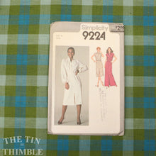 Load image into Gallery viewer, Dress Pattern / 1970's Maxi Dress / Vintage Sewing Pattern / Simplicity 9224 / Size 14 / Gathered Yoke / Button Up Dress / QUICK LIST