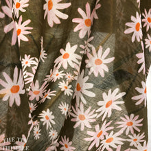 Load image into Gallery viewer, Organic Voile Fabric / Certified Organic Fabric by Cloud 9 / Daisy Lattice / 1 Yard / Daisy Print Fabric