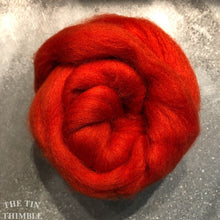 Load image into Gallery viewer, Pumpkin CORRIEDALE Wool Roving - 1 oz - Roving for Felting and Weaving