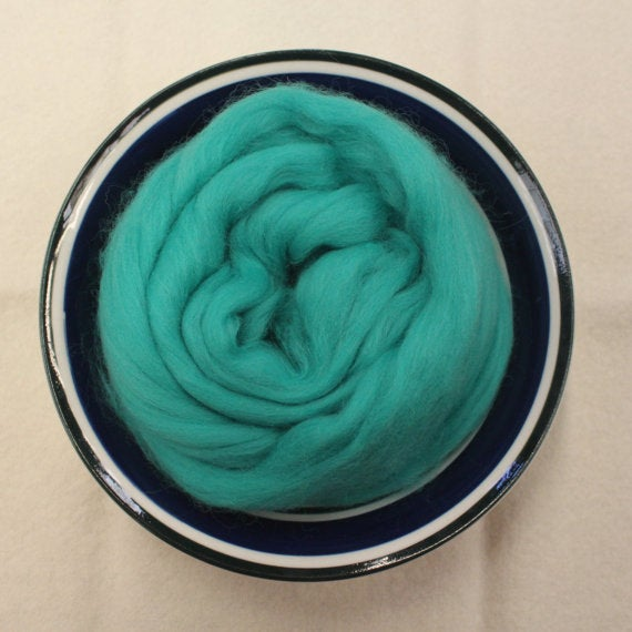Jade Green Merino Wool Roving for Nuno Felting, Wet Felting and Weaving - 21.5 micron - 1 oz